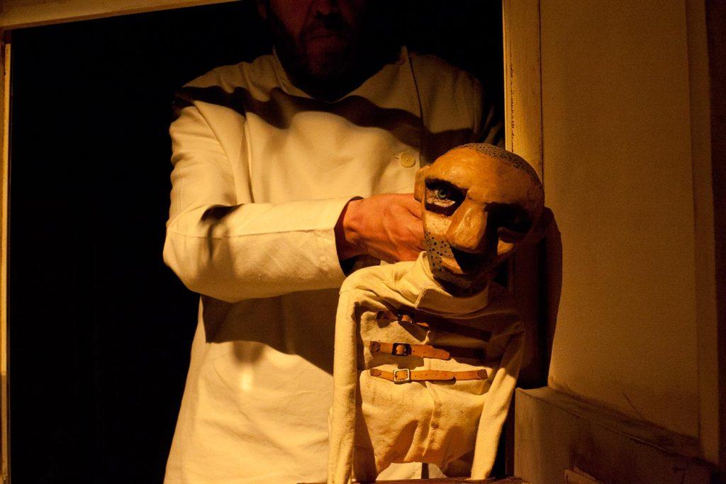 Teatro_LaFauna_De-las-manos_03