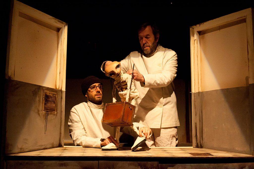 Teatro_LaFauna_De-las-manos_05